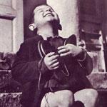 ألتقطت عام 1946 لطفلٍ يتيم أُهدي حينه...