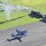 مطار جيسبورن النيوزلندي حيث يلتقي مدرج الطائرات بالسكة الحديد
