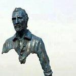 فنان فرنسي ينحت تماثيل مذهلة للإنسان ...