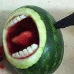 قمة الابداع في الرسم على  البطيخ