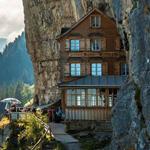 مقهى جميل في سويسرا