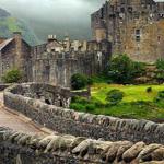 قلعة دونان في اسكتلندا
