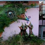 ابداعات فنية على جدران البيوت