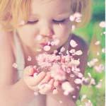 يرعاك ربي يازمان الطفولة.. ياحافظ الذكرى وياروح الأحلام.