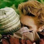 هناك شخص اريد اعاتبه بقسوة ثم احتضنه وابكي