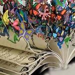 منحوتة فنية رائعة صُنعت بواسطة تضم صف...