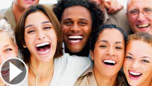كيف تعرف شخصيتك من ضحكتك؟ وماذا تعني ضحكة اديل في لغة الجسد؟