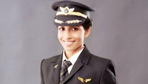 اصغر امرأة تقود طائرة (بوينج 777): لم تركب طيارة من قبل!