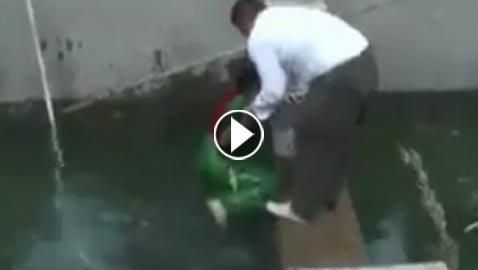موقف محرج لمذيعة كردية عند سقوطها في حوض مياه! فيديو