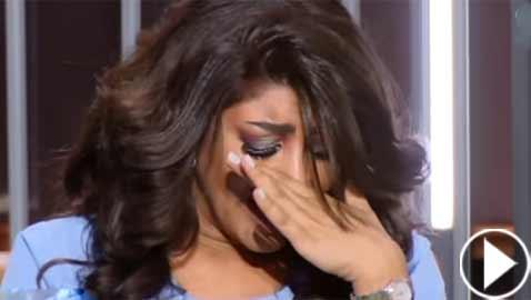 مذيعة كويتية تبكي على الهواء.. والسبب؟!