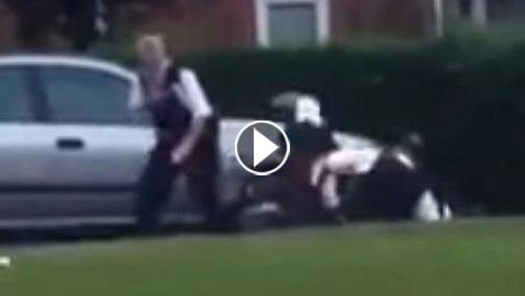 مقطع فيديو يظهر فيه ضباط شرطة يعتدون بعنف على مشتبه به
