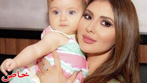 هل هذه الطفلة الشقراء ذات العينين الزرقاوين هي ابنة مريم حسين؟