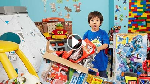 طفل في السادسة من عمره اصبح مليونير بفضل قناته على يوتيوب!