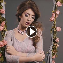 الفنانة الجزائرية سهيلة بن لشهب تحطم التوقعات بفيديو كليب (ليك منوليش)