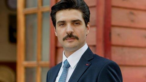 ممثل تركي مشهور ينهي حياته الفنية بتجارة المجدرات  التي قادته للسجن!