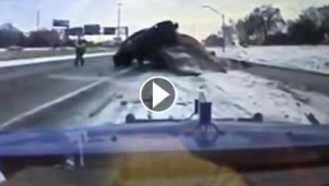 فيديو مروع.. حادث مزدوج ونجاة السائقين بأعجوبة