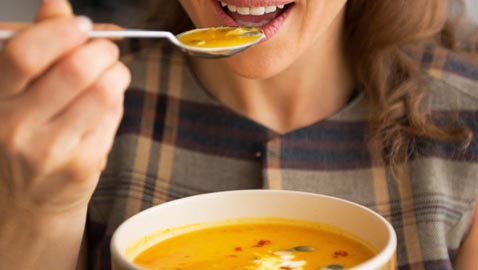 صيحة جديدة في عالم الحميات: تعرفوا على حمية الحساء