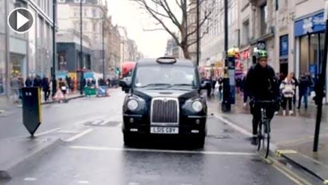 بالفيديو.. أصعب اختبار لسائق تاكسي في العالم