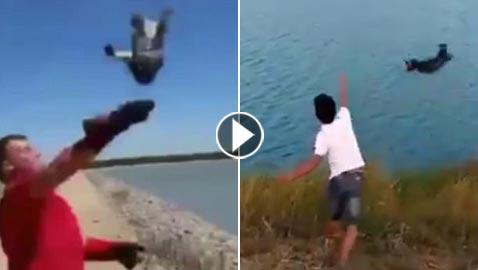 فيديو مؤلم.. شاب يلهو بإلقاء كلب في بحيرة مليئة بالتماسيح!
