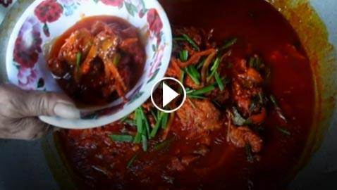بالفيديو.. هل لك استعداد ان تأكل هذا الطعام؟