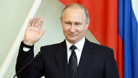 بالصور: شاهد كيف تحوّل بوتين من عميل مخابرات الى رئيس روسيا