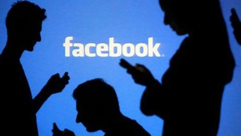 كيف تحول فيسبوك من أيادي الطلبة إلى أداة للأنظمة؟!