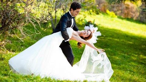 تعرفوا على أنسب سن للزواج بحسب برجكم