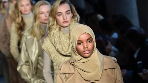 صور عارضات أزياء كسرن قوانين الموضة: محجبة، بدينة ومريضة بالبهاق