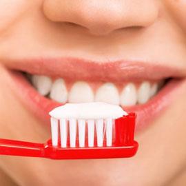 احذروا: تنظيف الاسنان بعد كل وجبة طعام عادة خطرة!