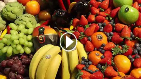 قائمة من 12 نوعاً من الخضار والفاكهة الأكثر تلوثاً