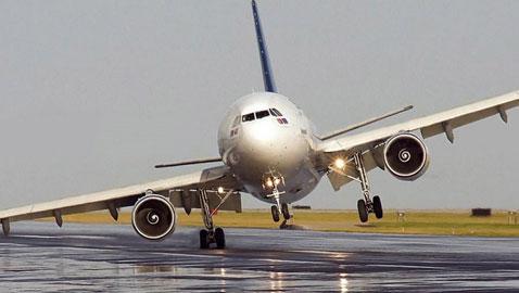بالصور: أغرب الأمور التي حدثت على الطائرات