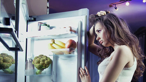 أطعمة  تساعدعلى النوم وأخرى يجب تجنبها