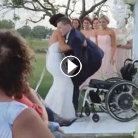 فيديو مؤثر.. عروس تساعد عريسها المشلول للمشي يوم الزفاف