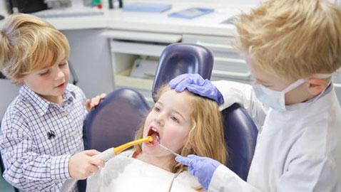 طريقة مذهلة تحمي الأسنان اللبنية لدى الأطفال من التسوس