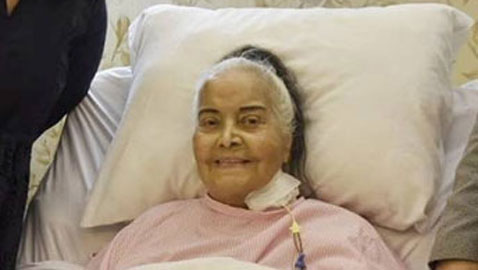 صور مديحة يسري، 99 عاما، قبل نقلها للمستشفى العسكري