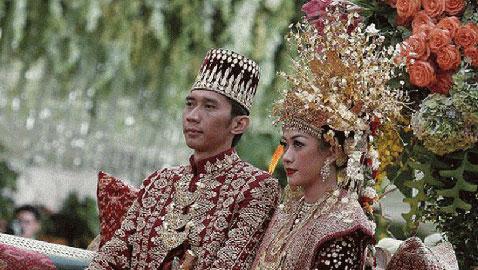 بالصور.. اليكم أغرب تقاليد الزواج حول العالم