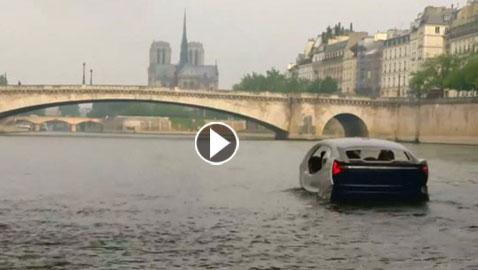 فقاعة الماء.. تاكسي مائي طائر في نهر السين