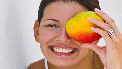 تعرفوا على اطعمة تحسن قوةّ بصركم في المساء