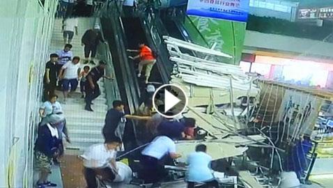 فيديو مروع.. أنهيار سقف على رؤوس سياح في الصين