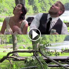 فيديو طريف.. سقوط فرع شجرة ثقيل فوق عروسين في حفل زفافهما