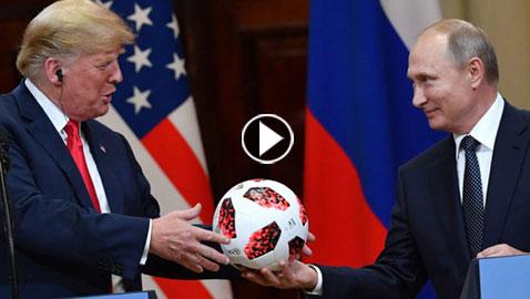فيديو وصور.. بوتين يمازح ترمب ويهديه كرة قدم سورية