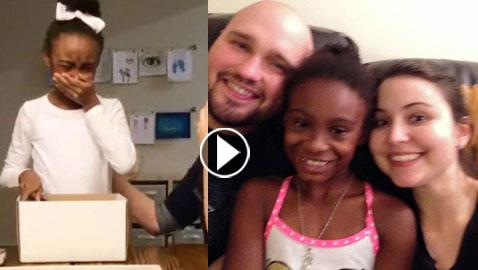 فيديو مؤثر.. دموع فرحة طفلة عند سماعها خبر تبنيها