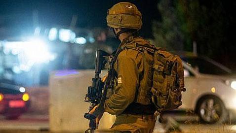 محكمة إسرائيلية تمدد اعتقال جنديين بتهمة التحرش بفلسطينيات