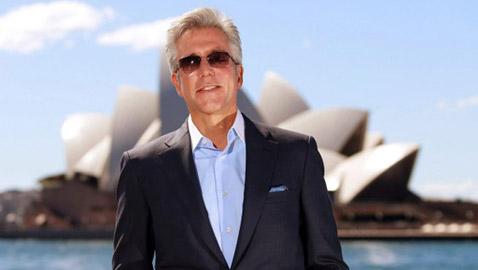 بيل مكديرموت.. من موزع جرائد في أمريكا إلى مليونير، يسعى إلى أن يصبح شخصاً مهماً