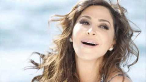 اليسا غاضبة من روتانا وتهدد بتركها بعد حذف أغانيها من يوتيوب