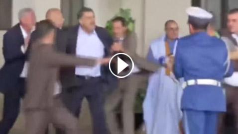 بالفيديو.. نائب برلماني يعتدي على صحافي جزائري ويشتمه
