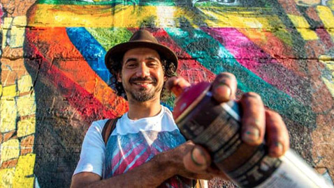 فنان تشكيلي برازيلي يجسد الزعماء والمشاهير في أكبر وأروع جداريات بالعالم