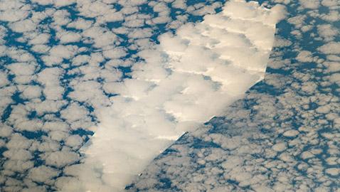 جرف جليدي عملاق على شكل تابوت يبحر في المحيط منذ 18 عاما يتنبأ بنهاية العالم!