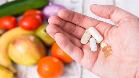 10 أعراض وعلامات تدل على نقص الفيتامينات يمكنك كشفها بسهولة