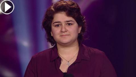 بالفيديو: فتاة سورية تبهر لجنة (ذا فويس فنلندا) بصوتها في اغنية أديل